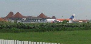 foto bandara adi sumarmo solo